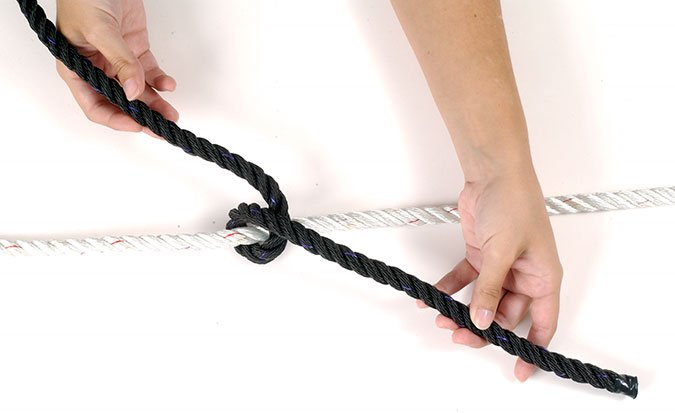Rolling hitch knot step 1