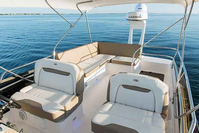 Regal 42 Fly foredeck