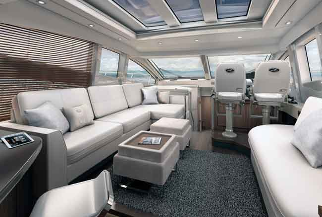 Sea Ray L550 salon