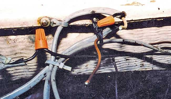 Bilge pump fuses