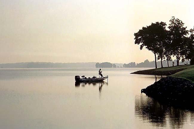 Boating On America's Freshwater Lakes - BoatUS Magazine