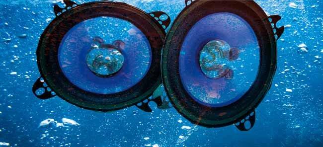 Marine Stereo Survival Test - BoatUS Magazine