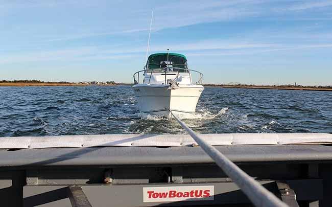 Top 5 Reasons Boats Get Towed - BoatUS Magazine