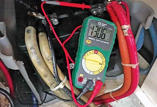Marine Battery Maintenance - BoatUS Magazine