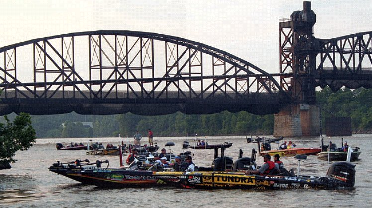 Photo of tournament anglers at a bridge on Three Rivers in Pittsburgh