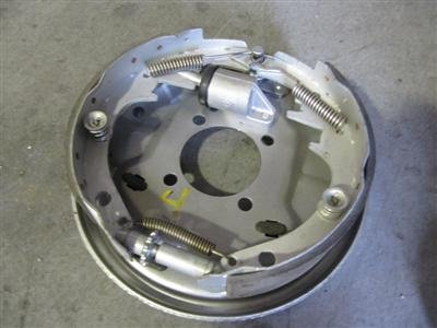 photo of boat trailer drum brakes