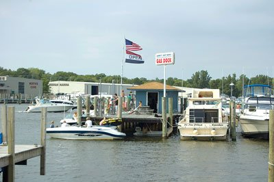 photo of a boat fuel dock