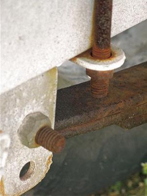 photo of boat trailer leaf springs
