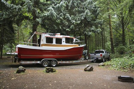 For This Boating Couple, Less Is More - Trailering - BoatUS