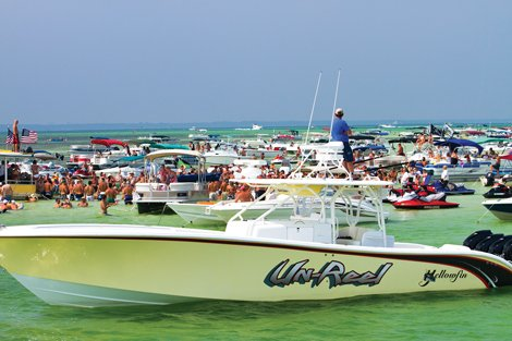 photo of boats at Crab Island, Destin Flordia