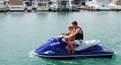 Photo of jetskiing on Lake Mead