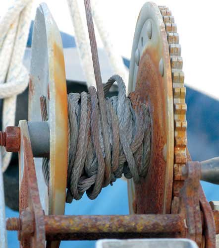 Photo of a large winch with tangled line