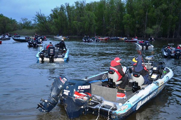 Photo of fishing boats in a walleye tournament