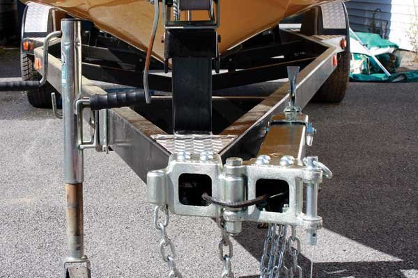 Closeup photo of a swing tongue on a trailer