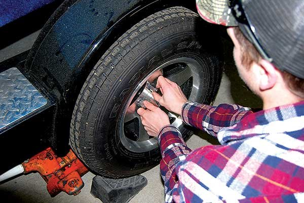 Photo of replacing the lug nuts