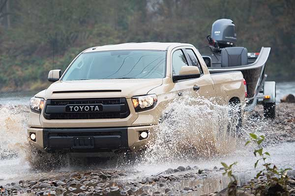 2016 Toyota Tundra towing boat