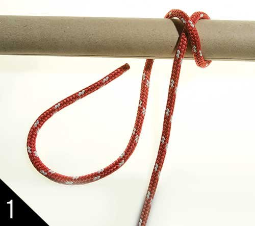Tying a clove hitch step 1