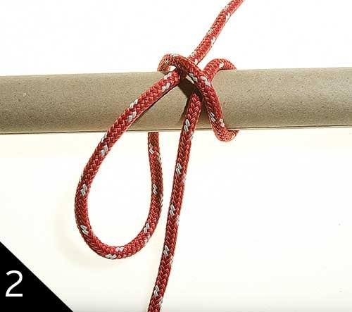 Tying a clove hitch step 2