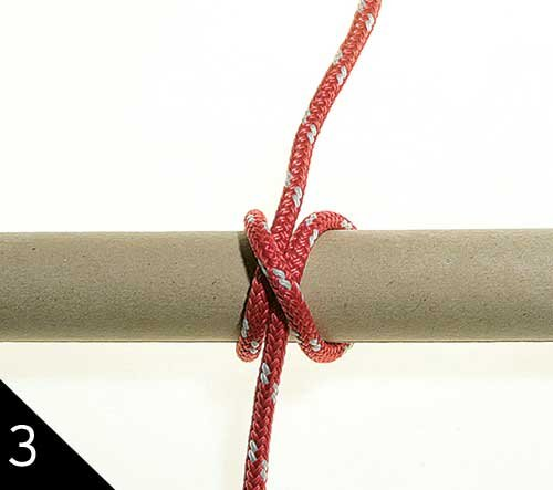 Tying a clove hitch step 3