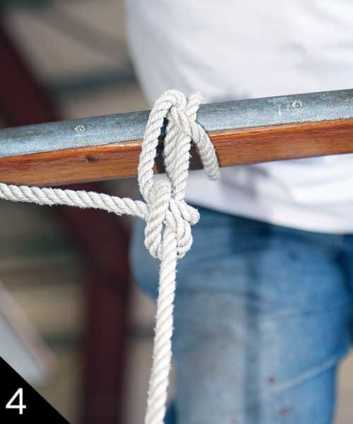 Using a clove hitch to tie the fender