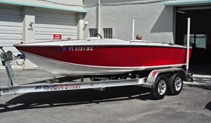 Photo of restored 1970 Sutphen Gran Sport ski boat