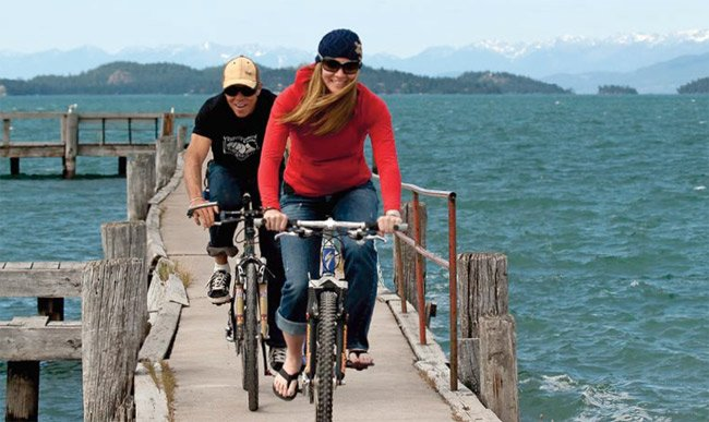 Photo of people cycling at Flathead Lake, Montana