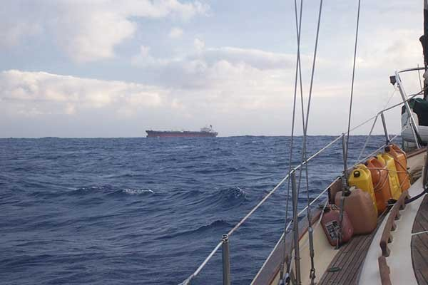 Photo of a second ship approaching eight minutes later