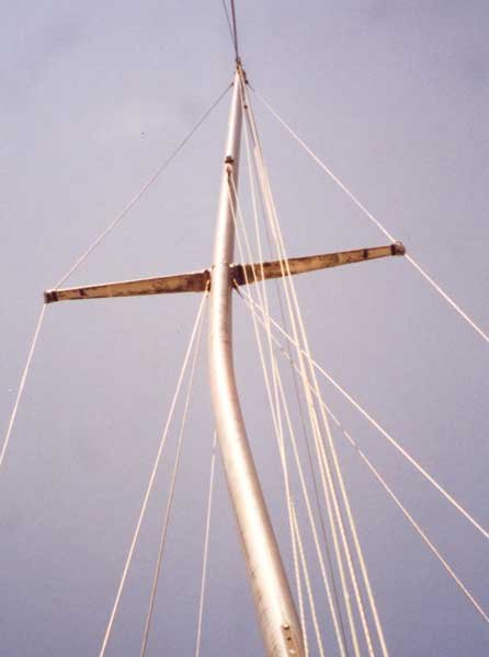 Photo of a broken mast