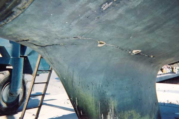 Photo of a cracked keel