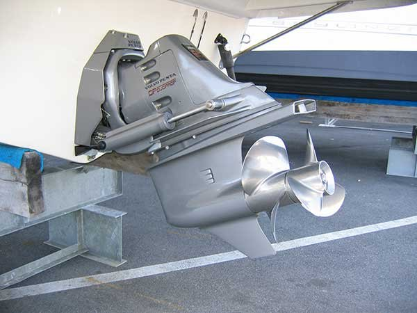 Photo of Volvo DP-3 sterndrive