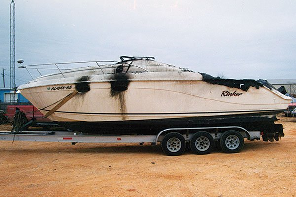 Photo of a burned 27-foot Rinker