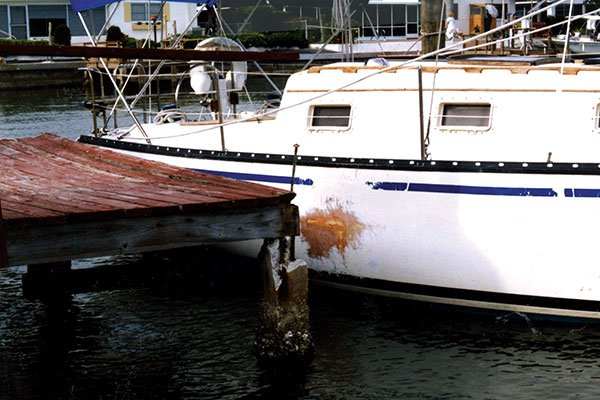 Photo of boat with dockline damage